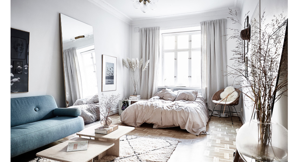 How To Make A Cozy Apartment Look Bigger Think Glamor